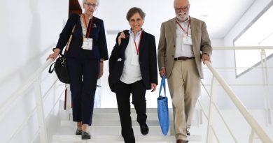 """""""Inapropiado"""" que la FGR la incluya como """"testigo"""" y no como «víctima» por el espionaje: Aristegui"""