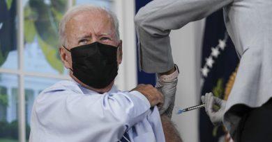 Con el 96% de la población vacunada EU podría recobrar la normalidad: Biden