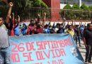 """Denuncian que investigaciones por la desaparición de los 43 normalistas """"son las mismas"""""""
