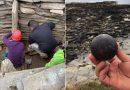 En una tumba piramidal de más de cinco mil años hallan arqueólogos dos raras esferas de piedra